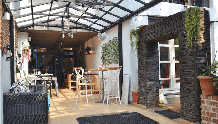 Roundup Cafe & Coworking| Bookofficenow