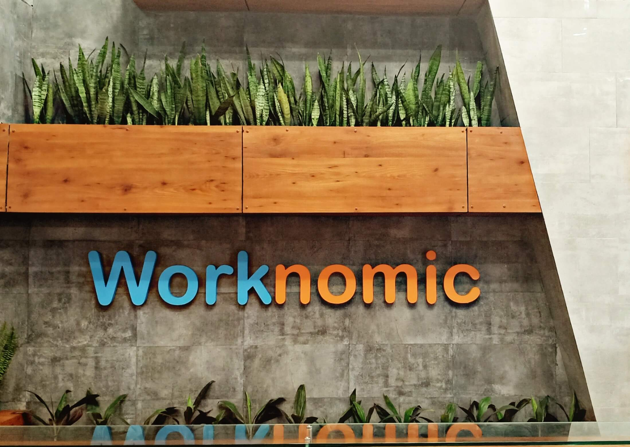 Worknomic| Bookofficenow