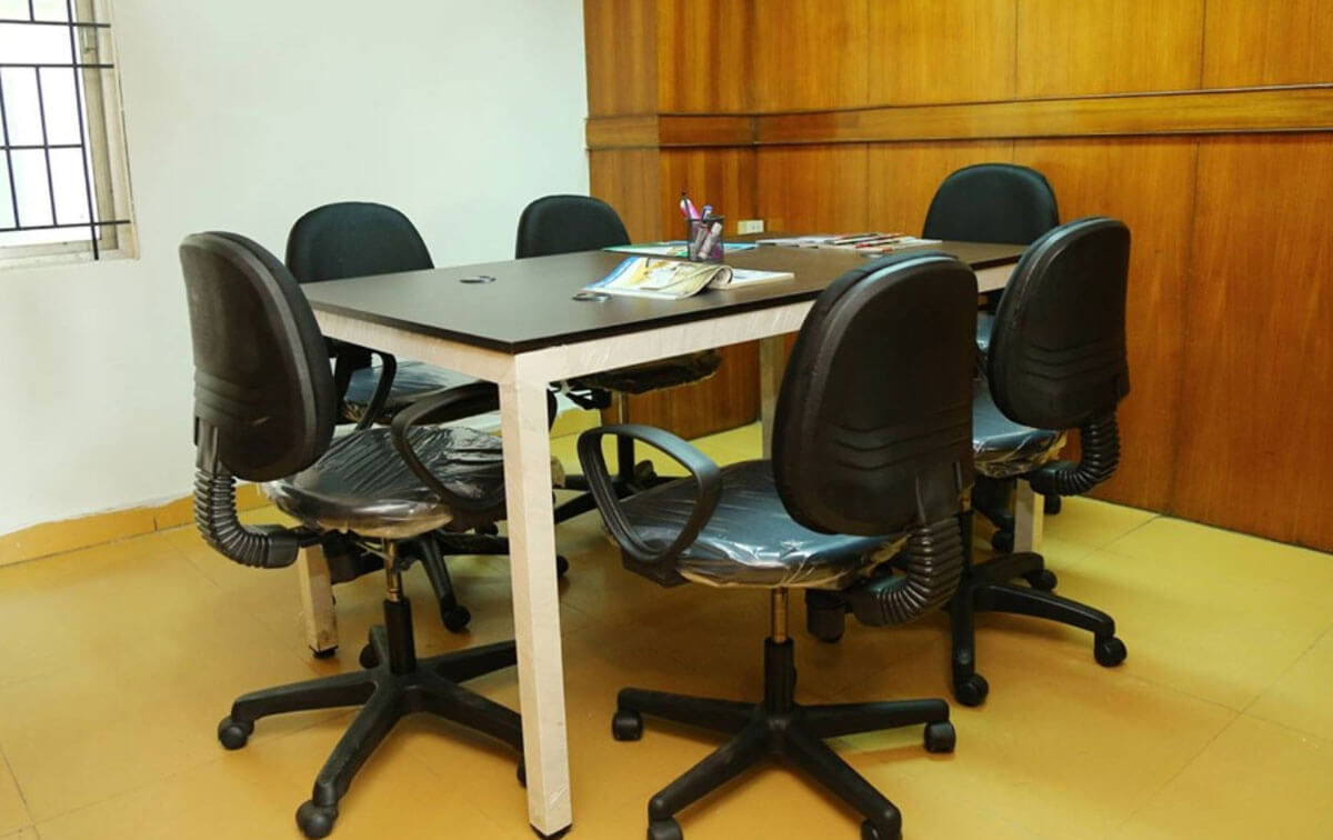 Reveur Coworking Space