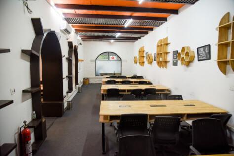 Guftagu Cafe Coworking DLF Phase 2